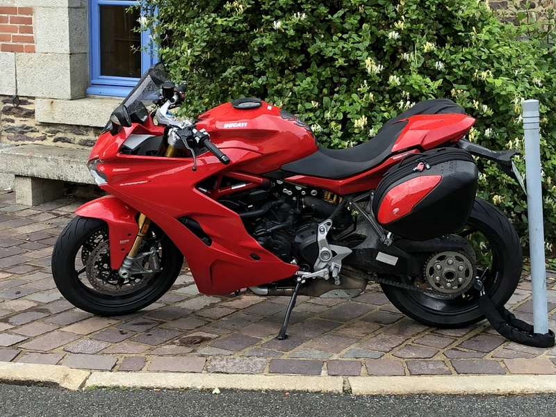 CR Ducati Supersport S... - Page 7 64bdd010