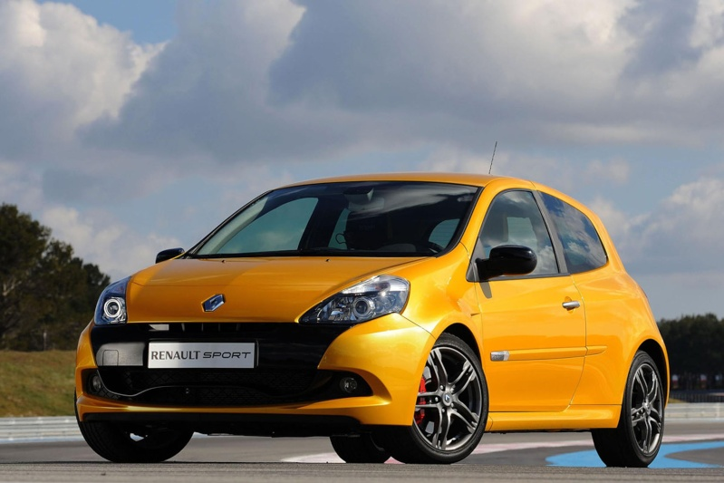 Ce que les Renault 9 et Renault 11 ont apporté à l'automobile ? Renaul18