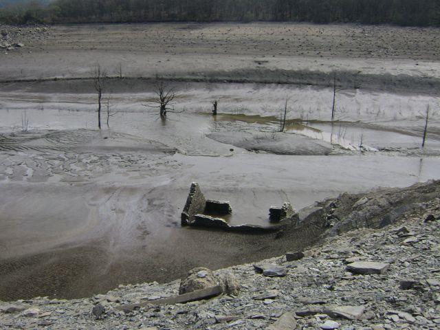 Le fond du lac de Guerlédan A10