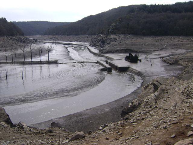 Le fond du lac de Guerlédan D10