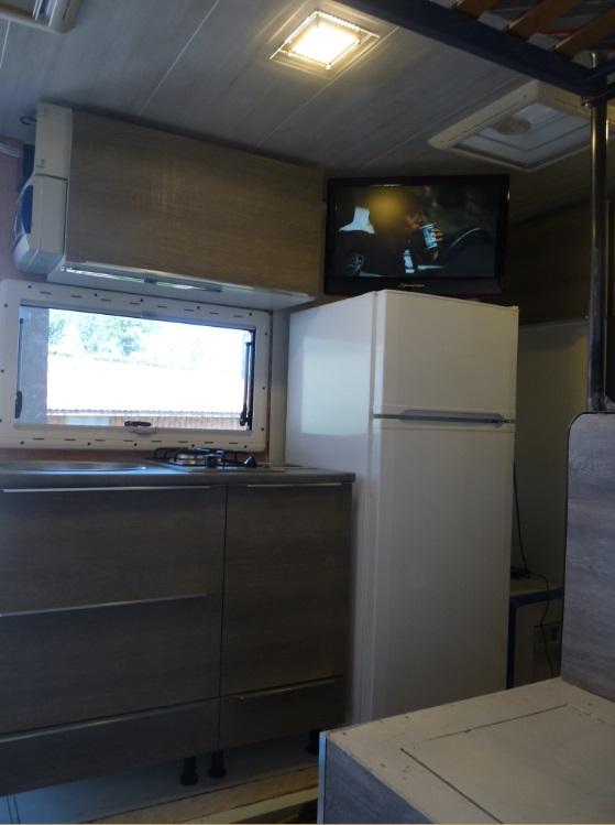 camping car à partir d'un Renault 110-170 4x4 : Fm10210