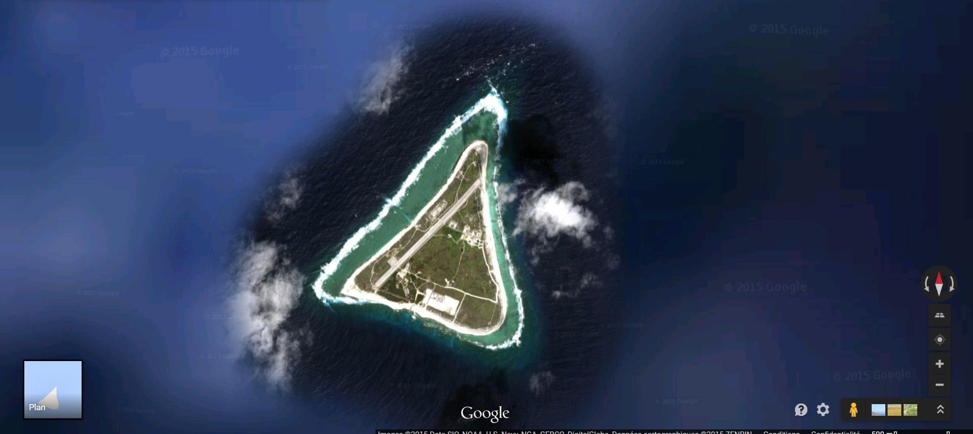 Disparition d'une île (Minamitorishima) - Océan Pacifique 2015-024