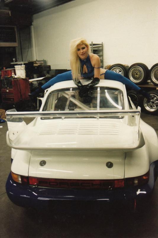 Porsche and Girls - Page 10 Hotpor10