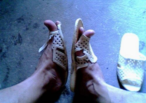 Những đôi dép 'huyền thoại' Dep4-910