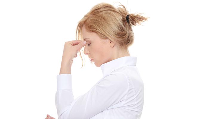 أهم أعراض إلتهاب الجيوب الأنفية : Aou-oa10