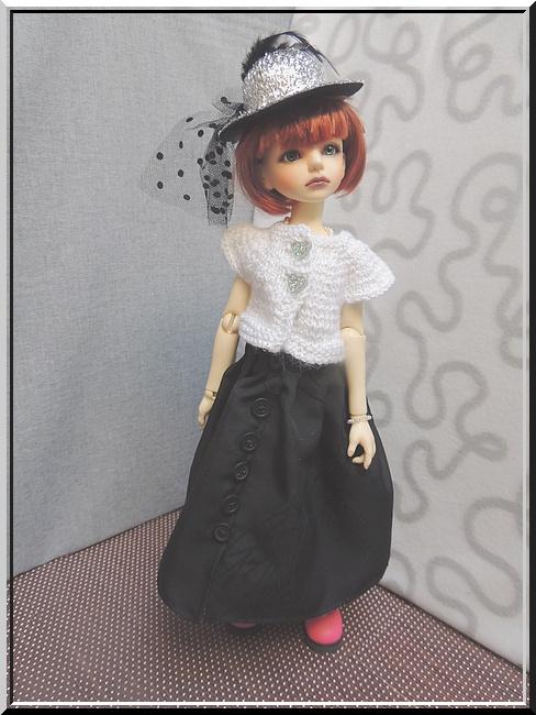*Les p'tites choses de Coco *Des tenues pour CHLOE* p2 - Page 2 C1010