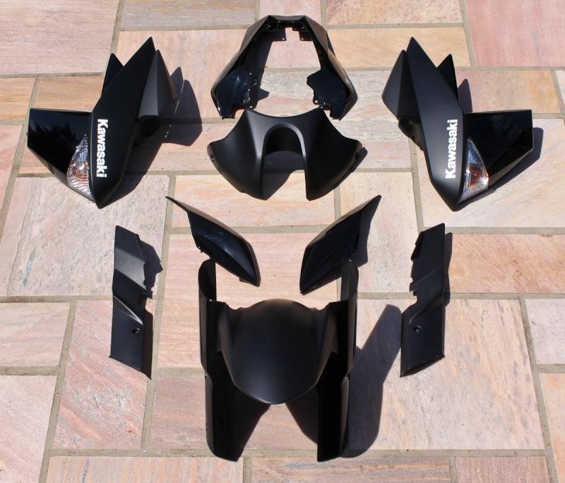 [VENDU] Carénages Z1000 2011 noir mat / brillant NEUFS 17052010
