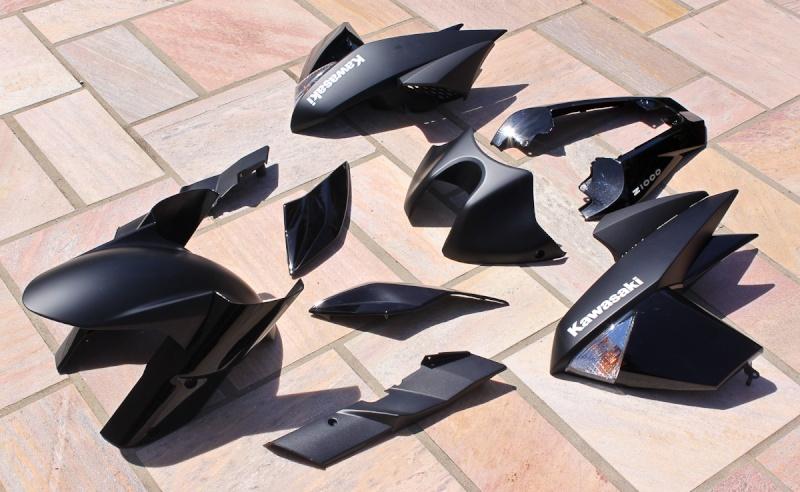 [VENDU] Carénages Z1000 2011 noir mat / brillant NEUFS 17052011