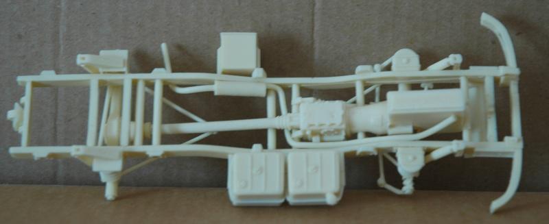 Montage spécial Mika. MB Unimog 404 Portugais en Angola ou Mozambique de chez Das werk Dsc_0020