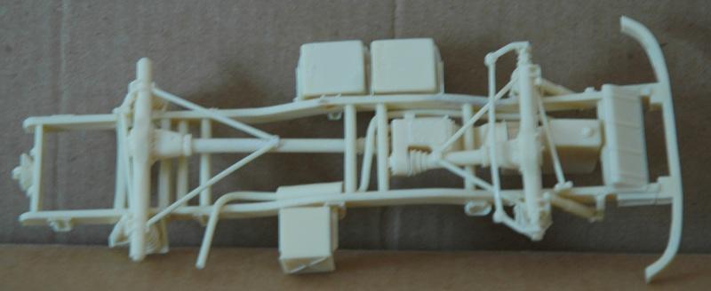 Montage spécial Mika. MB Unimog 404 Portugais en Angola ou Mozambique de chez Das werk Dsc_0021