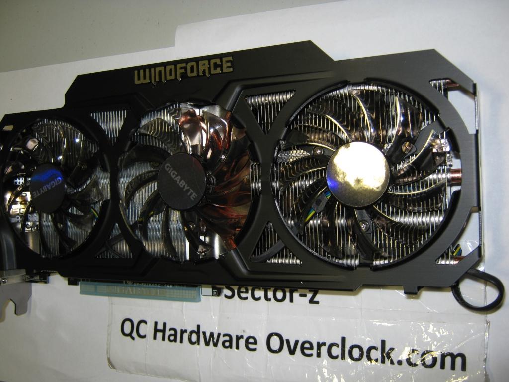 FS- Gigabyte R9 290X 4GB OC WINDFORCE 3X 450W Img_0523