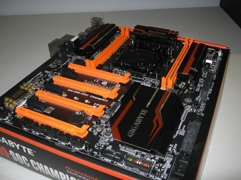Projet pour Dvsfranck //// Phanteks Enthoo Primo Ultimate SE Black/Orange Img_0726