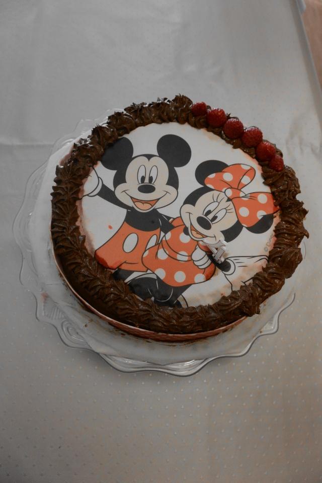 Gâteaux d'anniversaire Disney de nos miniatures - Page 2 Dsc_0618