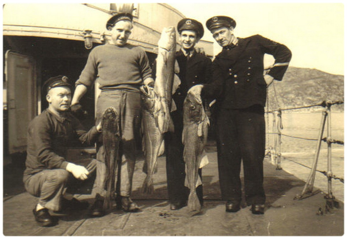 [Opérations diverses] Assistance aux pêches 2115