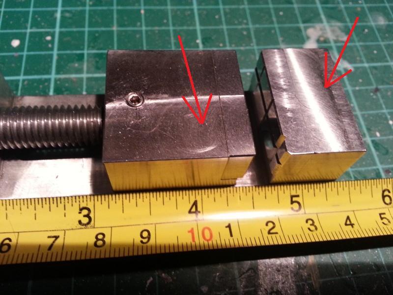 Mini Schraubstock und spezielle Halteklemmen Schrau10