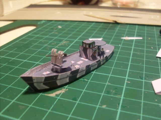 TESTBAU Kriegsfischkutter KFK 133 (UJ 1766), KMW² in 1/250 Sdc10224