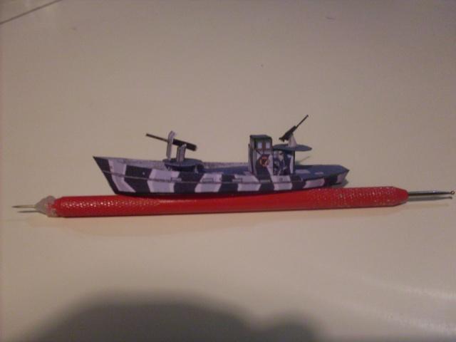 TESTBAU Kriegsfischkutter KFK 133 (UJ 1766), KMW² in 1/250 Sdc10225