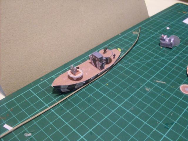 TESTBAU Kriegsfischkutter KFK 133 (UJ 1766), KMW² in 1/250 Sdc10228
