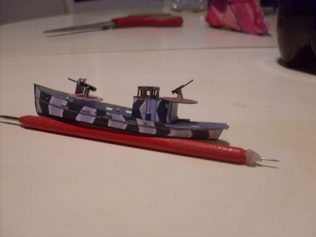 TESTBAU Kriegsfischkutter KFK 133 (UJ 1766), KMW² in 1/250 Sdc10230