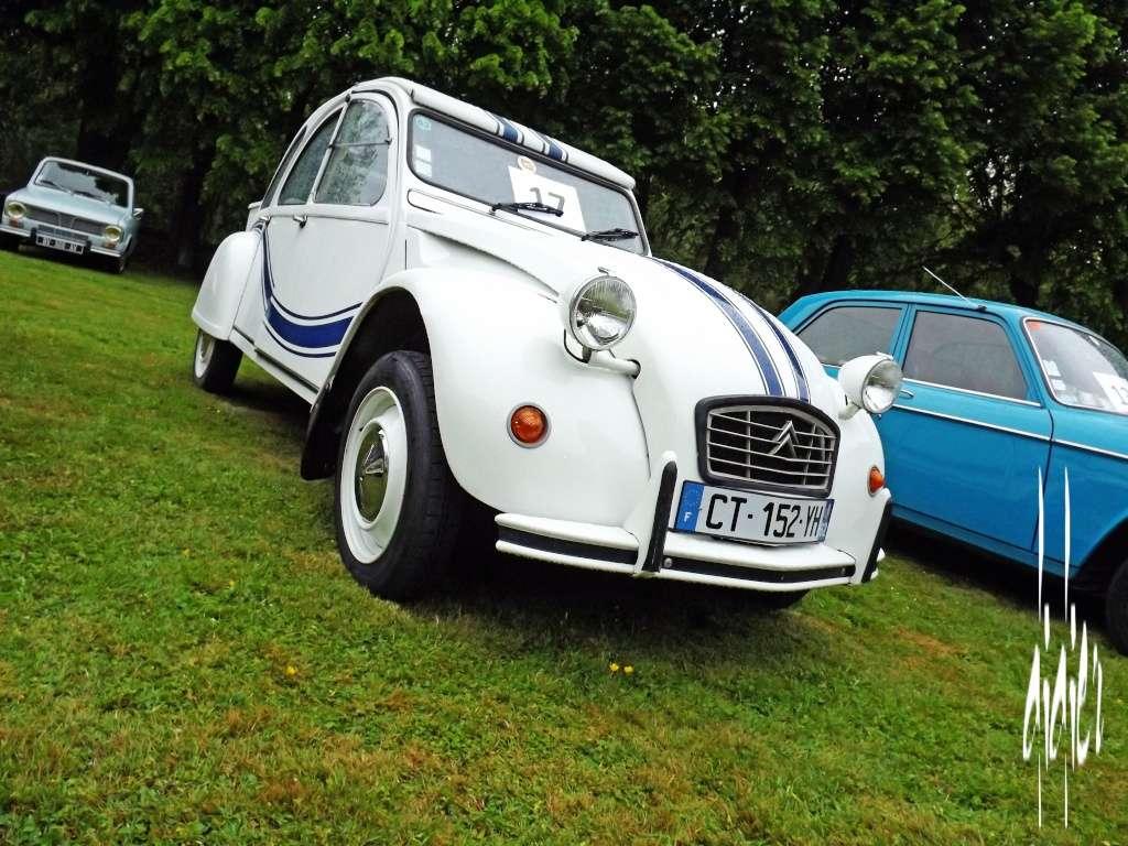 Photos exposition voitures anciennes 2015 à Frévent - Page 2 Dscf1324