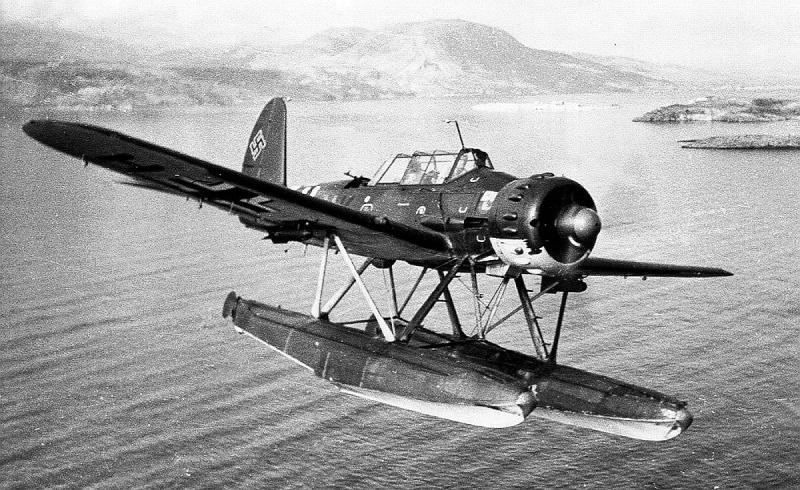 "TERMINE / Arado 196 A-3 version ""Tintin"" - 1/32 - Kit Revell 04688 Url10"