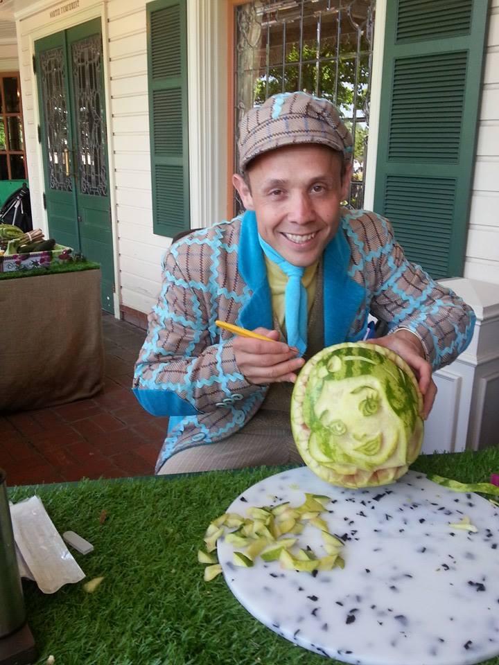 Cyril, CM sculpteur sur fruits et légumes ! 11208610