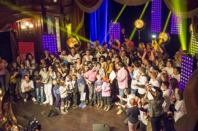 """Les """"Disney voluntEARS"""" donnent de la voix pour les enfants malades.  310"""