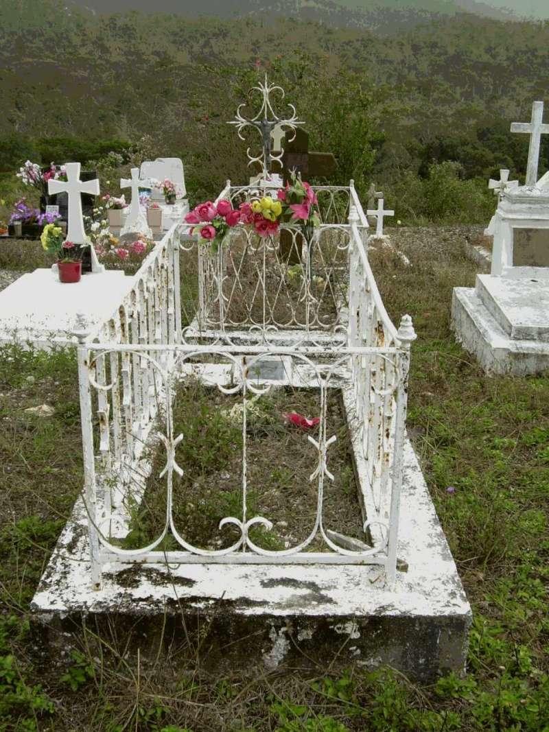 tombe en N. Calédonie  Tombe_12