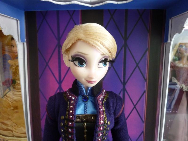 Disney Store Poupées Limited Edition 17'' (depuis 2009) - Page 6 P1110510