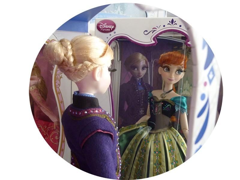 Disney Store Poupées Limited Edition 17'' (depuis 2009) - Page 6 P1110515
