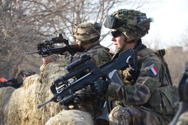L'armée française va s'équiper d'armes fabriquées à l'étranger Famas10