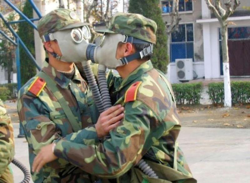 1 avril en photo dans des forces armées Funny-10
