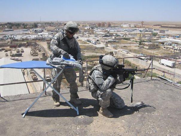1 avril en photo dans des forces armées Funny-12