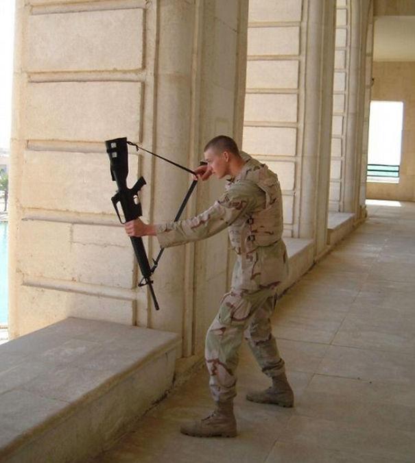 1 avril en photo dans des forces armées Funny-15