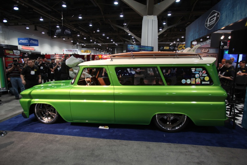Jimmy Flintstone '55 - '57 Chevy Suburban 1966_c11