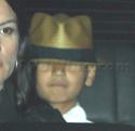 "Familia Jolie-Pitt em Premiere de ""Invictus"" 03.12.09 210"
