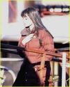 Angelina fazendo mais cenas de SALT,em frente o rio Hudson,em NY 29.12.09 Angeli22