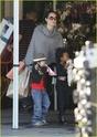 """Angelina leva Shiloh e Zahara ao mercado """"Whole foods"""" na california 16.01.10 Angeli45"""