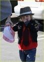 """Angelina leva Shiloh e Zahara ao mercado """"Whole foods"""" na california 16.01.10 Angeli48"""
