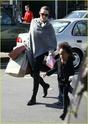 """Angelina leva Shiloh e Zahara ao mercado """"Whole foods"""" na california 16.01.10 Angeli49"""