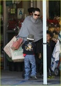 """Angelina leva Shiloh e Zahara ao mercado """"Whole foods"""" na california 16.01.10 Angeli50"""