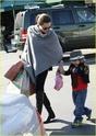 """Angelina leva Shiloh e Zahara ao mercado """"Whole foods"""" na california 16.01.10 Angeli53"""