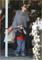 """Angelina leva Shiloh e Zahara ao mercado """"Whole foods"""" na california 16.01.10 Angeli56"""