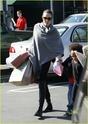 """Angelina leva Shiloh e Zahara ao mercado """"Whole foods"""" na california 16.01.10 Angeli57"""