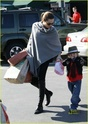 """Angelina leva Shiloh e Zahara ao mercado """"Whole foods"""" na california 16.01.10 Angeli60"""