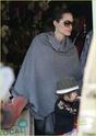 """Angelina leva Shiloh e Zahara ao mercado """"Whole foods"""" na california 16.01.10 Angeli61"""
