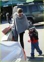 """Angelina leva Shiloh e Zahara ao mercado """"Whole foods"""" na california 16.01.10 Angeli65"""