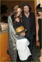 "Familia Jolie-Pitt em Premiere de ""Invictus"" 03.12.09 Brad-p10"