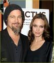 "Familia Jolie-Pitt em Premiere de ""Invictus"" 03.12.09 Brad-p15"