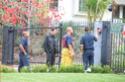 Brad Pitt bloqueia sua propriedade,e corpo de bombeiros é impedido de socorrerem vizinho doente. Imagem13